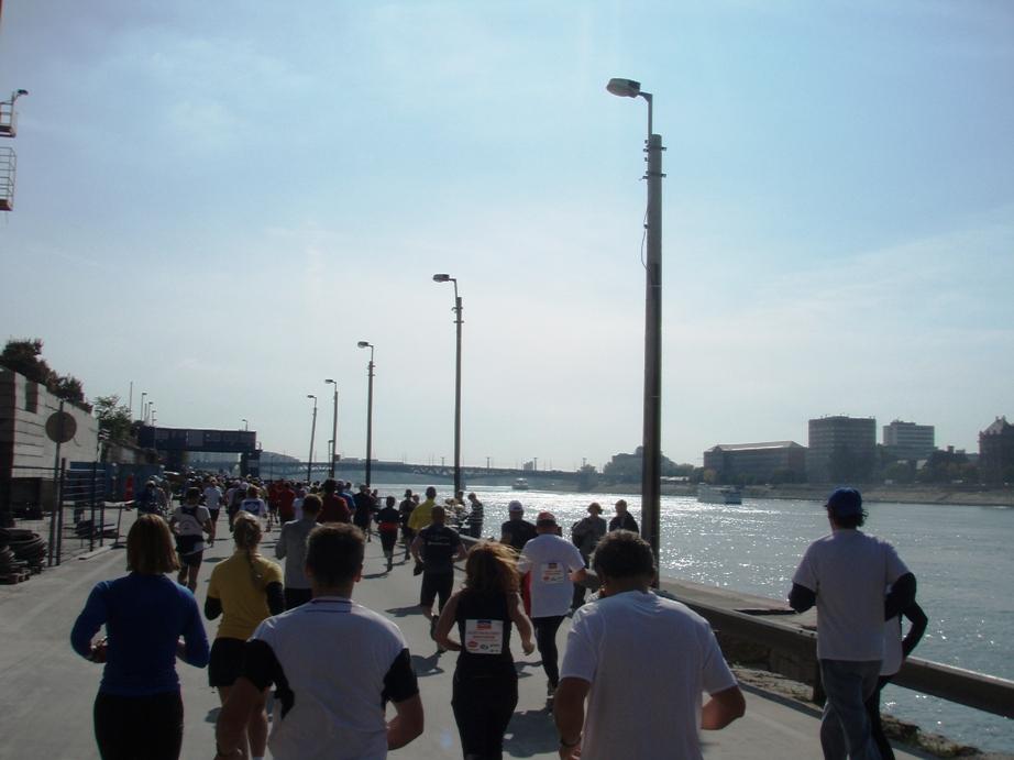 Budapest Marathon Pictures - Tor Rønnow