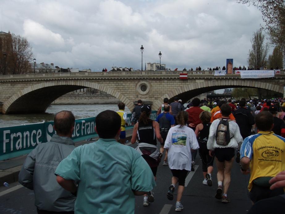 Paris Marathon Pictures - Tor Rønnow
